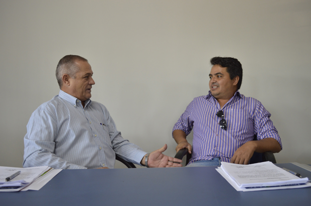 Pedro Lima e Clodoaldo comemoram o acordo firmado com o patronal