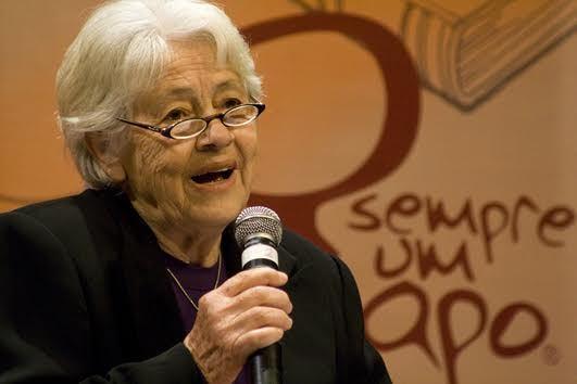 Adélia Prado completa 80 anos
