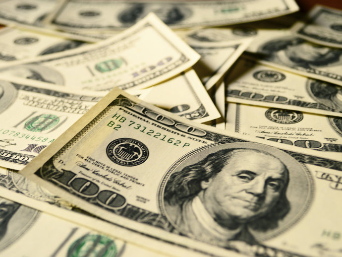 Moeda norte-americana recuou firmemente contra os pesos chileno e mexicano