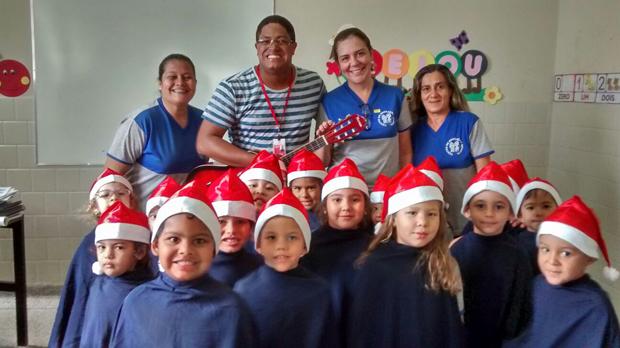 Composto por 20 meninos e meninas de quatro e cinco anos de idade, o coral infantil da Santa Casa foi criado no mês de setembro com o intuito de auxiliar no desenvolvimento das crianças.
