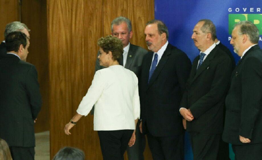Este é o primeiro encontro entre a presidente da República e seu vice, após o Eduardo Cunha deflagrar o processo de impeachment