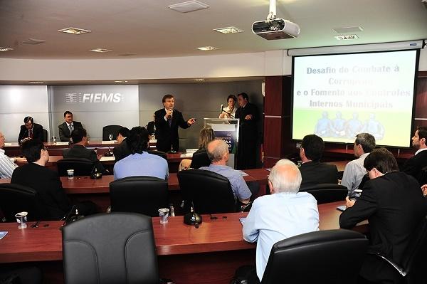 colegiado da Rede de Controle da Gestão Pública de Mato Grosso do Sul é composto por Fiems, CGU, TCU, MPF, MPE, Receita Federal, Polícia Federal, PRF, AGU, Denasus, CEF, TCE e TRE.