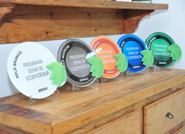 Com essas cinco entregas, sobe para 22 o número de indústrias que já receberam o Selo Ambiental do Senai.
