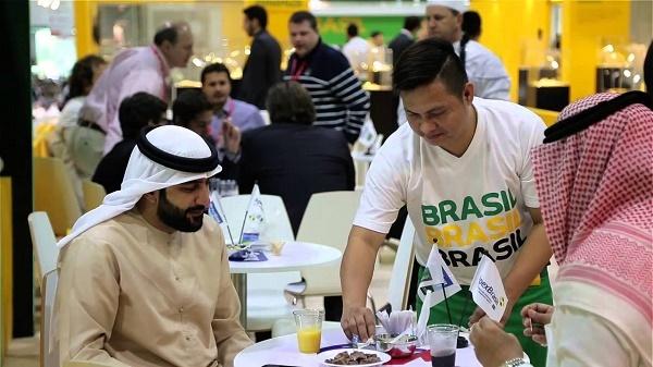 Dessa vez a viagem é direcionada para a maior mostra anual de alimentos e hospitalidade do mundo, a Gulfood, que acontece de 21 a 25 de fevereiro, em Dubai, Emirados Árabes