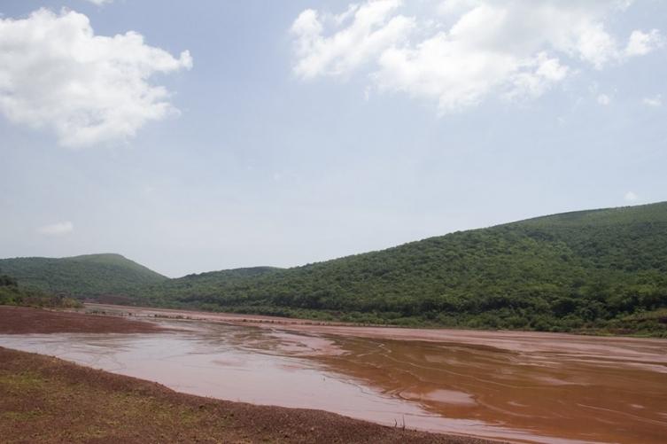 Barragem Gregório, da Vale, no Morro Santa Cruz