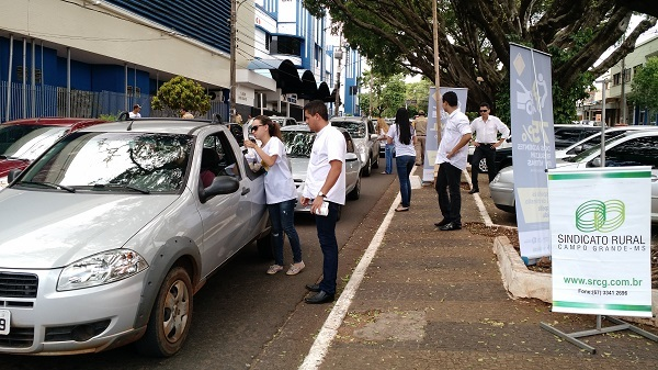 Na esquina da Avenida Afosno Pena com a rua 14 de julho; na Avenida Mato Grosso com a Rua 14 de julho; e na confluência da Avenida Eduardo Elias Zahran com a Rua Ruy Barbosa.