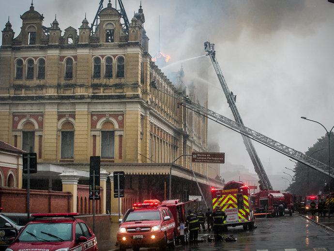 Incêndio destruiu prédio e Museu da Língua Portuguesa