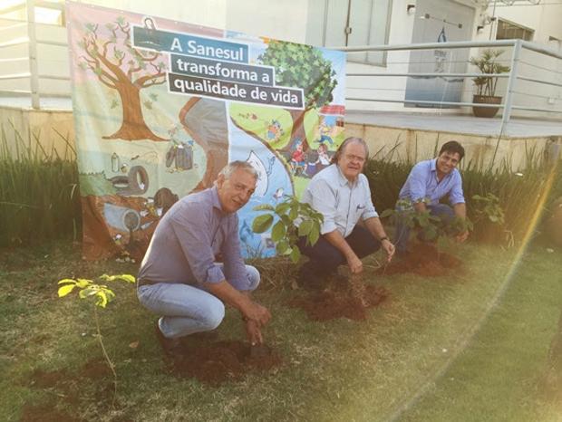 Diretores da Sanesul participam das ações de educação ambiental