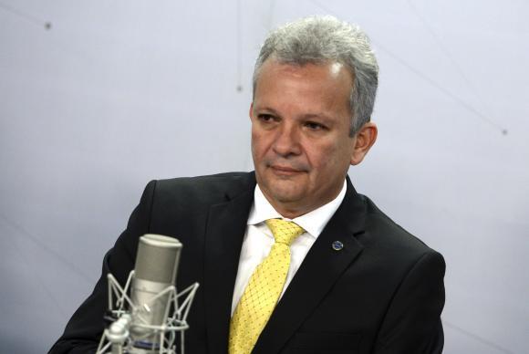 O ministro das Comunicações, André Figueiredo, participa do programa Bom Dia Ministro