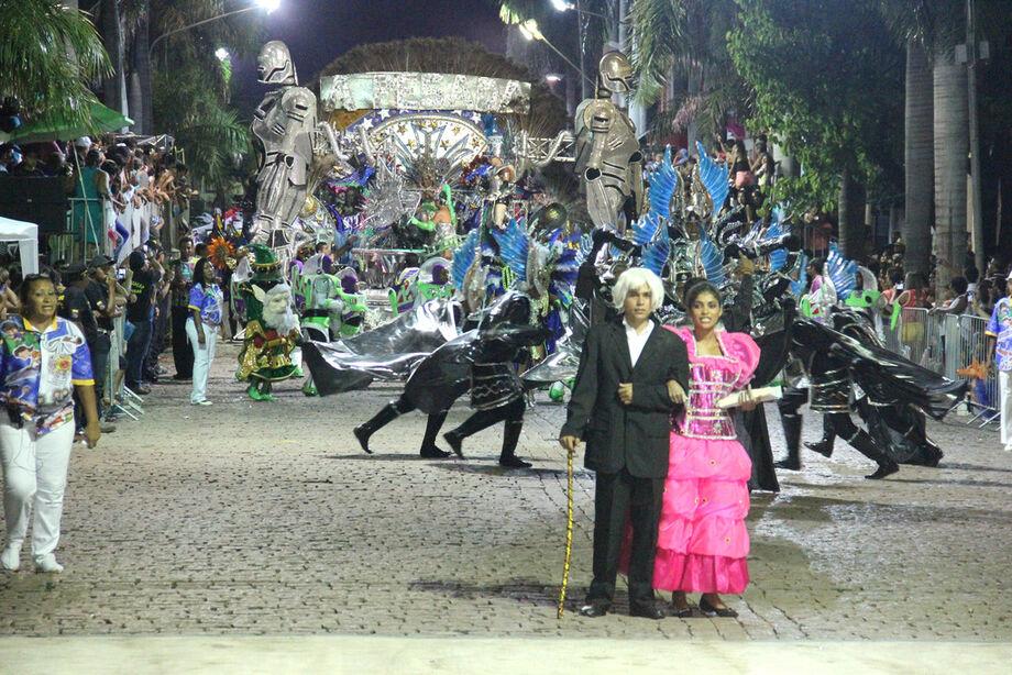 Desfile das escolas de samba de Corumbá