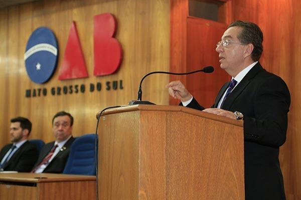 Presidente da OAB/MS, Mansour Elias Karmouche