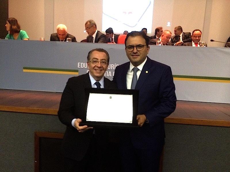 Presidente da OAB/MS Mansour Karmouche com presidente da OAB Nacional, Marcus Vinicius Furtado Coêlho