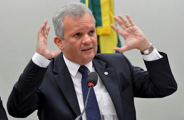 Ministro das Comunicações, André Figueiredo