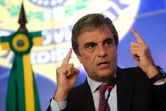O ministro da Justiça, José Eduardo Cardozo, deixa a pasta e assumir a Advocacia-Geral da União
