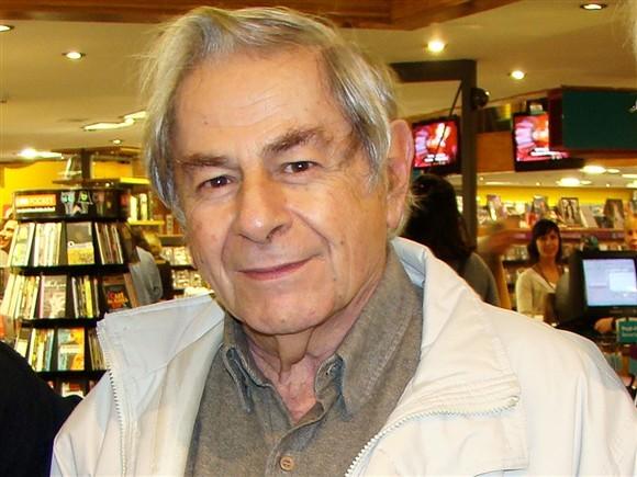 O autor brasileiro está recluso há muitos anos, vivendo numa quinta