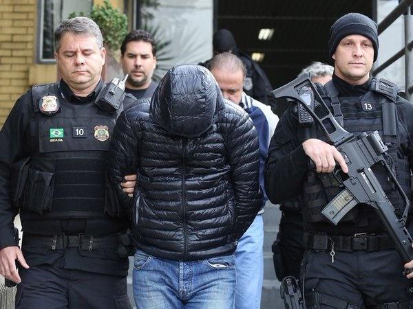 A autoridade policial manifestou-se pela soltura de ambos os presos temporários, sob o argumento de que não restam diligências em andamento que tornariam imprescindível a manutenção da prisão dos investigados