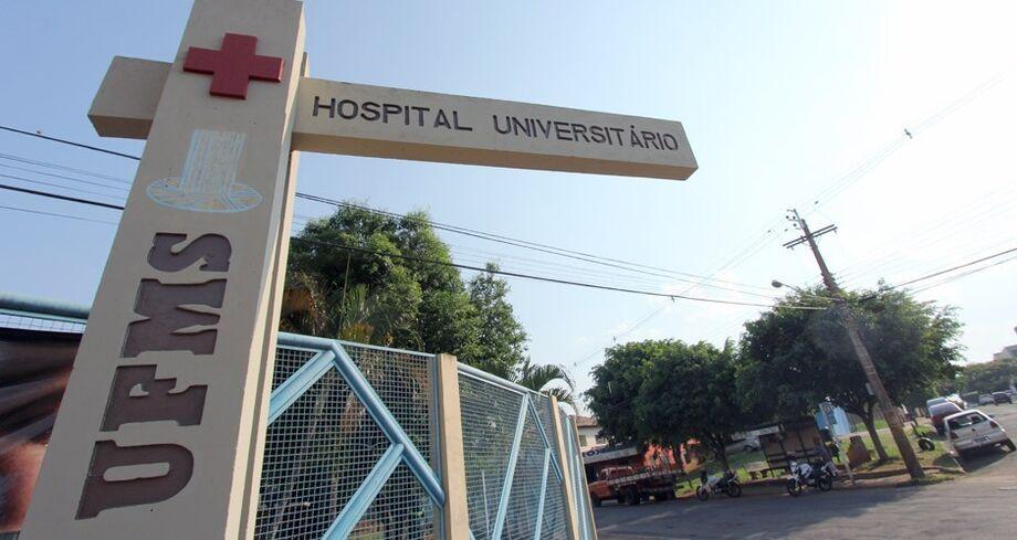 Manifestantes pretendem abraçar simbolicamente o portão principal do hospital