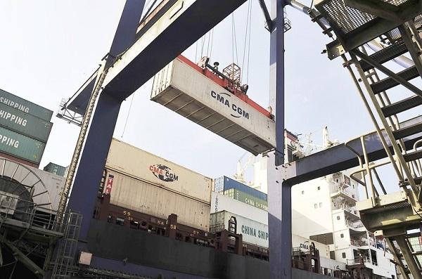 Containers levam os produtos brasileiros pelo mar para os principais parceiros comerciais