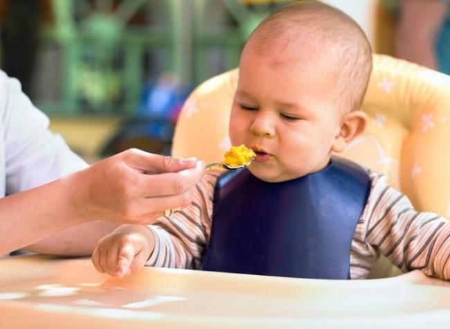 Alimentação de crianças brasileiras entre 6 e 23 meses ainda requer atenção especial