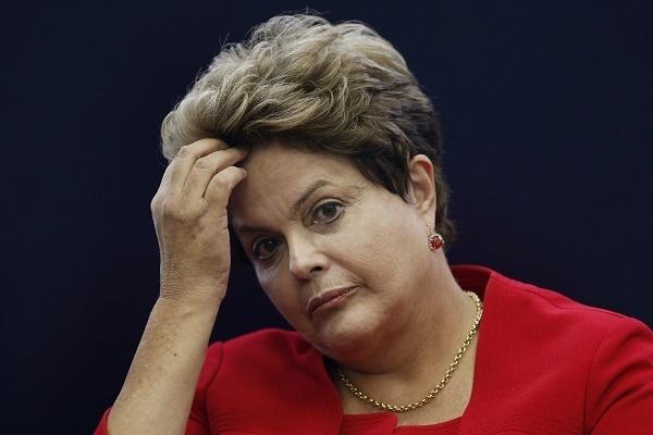 O depoimento de Dilma estava previsto no cronograma inicial para o dia 20 de junho. A nova data, 6 de julho, foi fixada após consulta com acusação e defesa