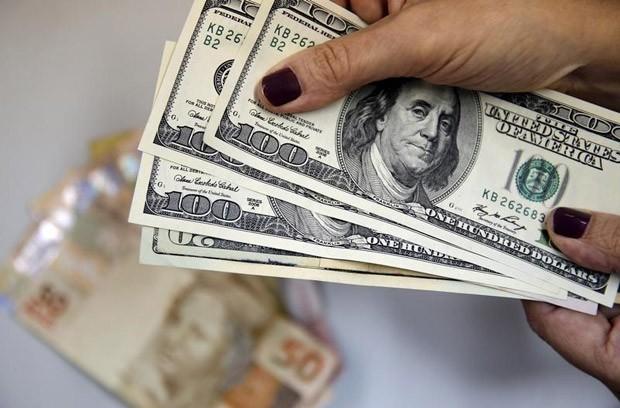 Valorização do dólar foi de R$ 0,056 (1,62%)