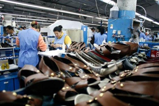 O Brasil perdeu 289 mil empresas em 2014, uma queda de 5,4% em relação a 2013
