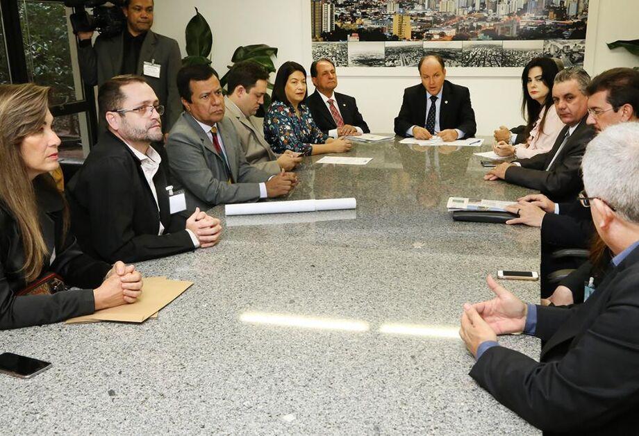 Reunião aconteceu na presidência da AL