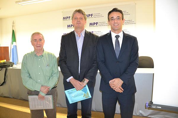 Presidente do Coema da Fiems, Isaías Bernardini, Secretáario Jaime Verruck e procurador da República Elton Luiz Bueno Cândido