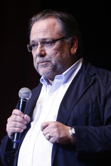 Daniel Medeiros é Doutor em Educação pela UFPR e professor de História do Brasil no Curso Positivo
