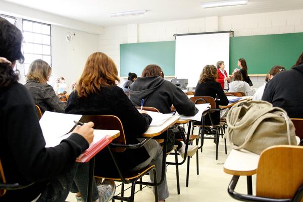 As 14 capacitações, nas áreas de Gestão, Finanças, Carreira, Saúde e Atendimento, acontecem de 14 a 15 de julho, nos períodos vespertino e noturno, no campus da instituição na Gury Marques.