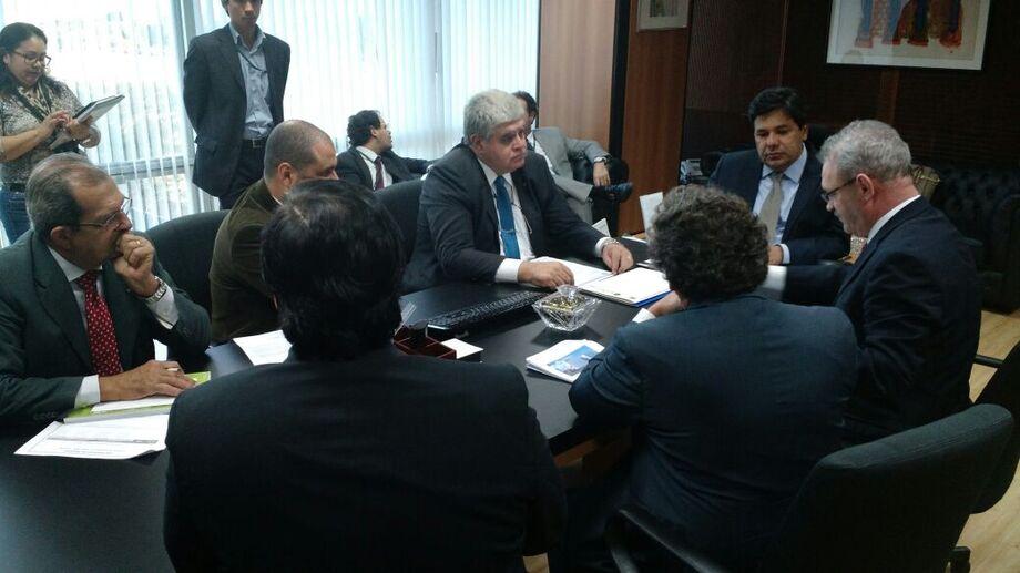 Deputado federal Carlos Marun (PMDB-MS) durante reunião com o Ministro da Educação, Mendonça Filho