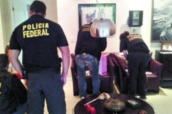 Os presos foram transferidos do presídio Ary Franco, em Água Santa, zona norte do Rio de Janeiro, para o presídio Bangu 8, em Bangu, zona oeste, onde ficam os presos com curso superior