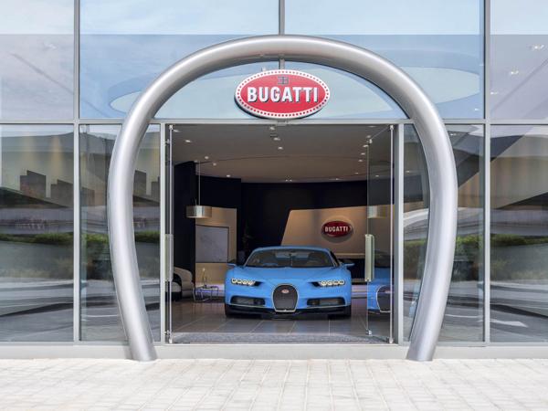 Apenas dos Emirados Árabes, a marca francesa recebeu nada menos que 30 pedidos para o Chiron, que terá apenas 500 unidades produzidas