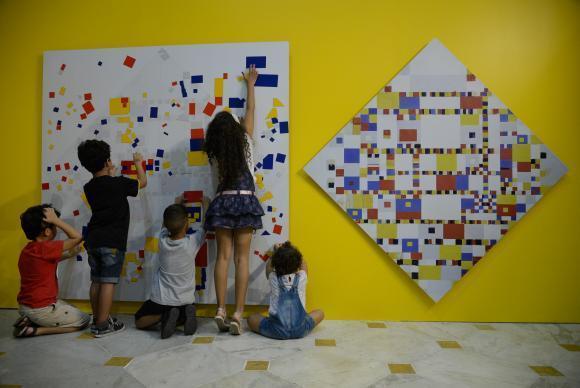 Rio de Janeiro - Comemoração do Dia das Crianças e de 27 anos do Centro Cultural Banco do Brasil no Rio de Janeiro com atividades educativas infantis (Fernando Frazão/Agência Brasil)