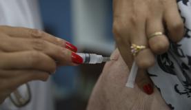 Brasília - O Ministério da Saúde promove o Dia D de Vacinação contra a gripe em postos de todo o país (Marcello Casal Jr/Agência Brasil)