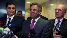 Brasília - Senador Aécio Neves fala à imprensa, no Palácio do Planalto, após encontro com o presidente Michel Temer (Valter Caampanato/Agência Brasil)