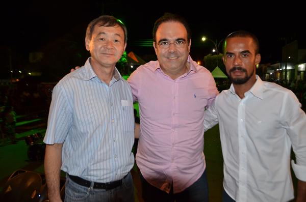 Prefeito de Bodoquena Kazu, Felipe Orro e o Presidente da Câmara, Edinho Carvalho