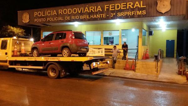 Carro havia sido roubado na cidade de Formosa/GO, no dia 21 de abril