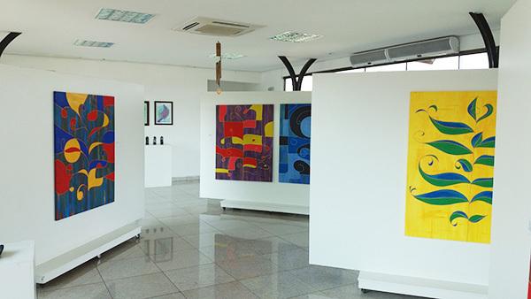 Inspirado pelo trabalho dos pintores surrealistas e cubistas, Raoni cita como exemplo Pablo Picasso
