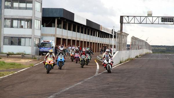 A solenidade acontecerá a partir das 8h no Paço Municipal ocasião em que também será assinado o Regimento Interno do Autódromo