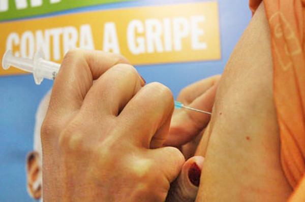 Foram imunizadas até o momento 119.387 pessoas, o que representa 60,38% do público-alvo