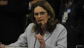 Graça Foster é ouvida durante a Comissão Parlamentar Mista de Inquérito que investiga irregularidades na gestão da Petrobrás (José Cruz/Agência Brasil)