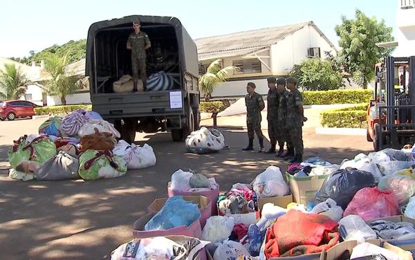 Exército termina de separar agasalhos doados na campanha Aquece MS 2017 em Campo Grande