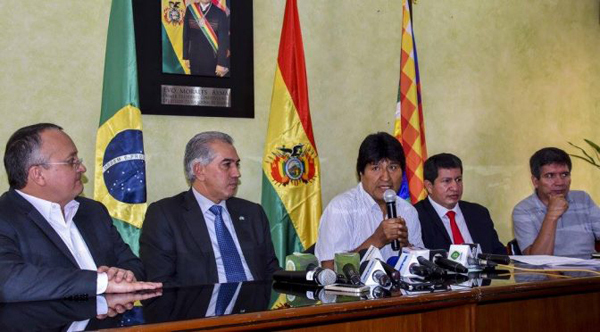 Governadores Reinaldo Azambuja (MS) e Pedro Taques (MT) iniciaram negociações com o governo boliviano em 5 de maio