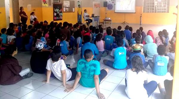 A palestra foi ministrada pelo gestor de Educação de Trânsito, do Departamento Estadual de Trânsito (Detran-MS), Ruberval Cunha