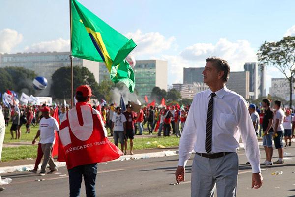 Deputado Dagoberto Nogueira (PDT) participou da mobilização