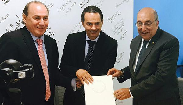 Diretor do BID, prefeito e senador com o contrato de US$ 56 milhões