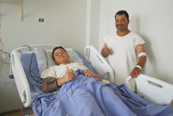 De acordo com a médica que atualizou o estado de saúde dos pacientes, Dra. Patrícia Zanata, ambos estão se recuperando bem
