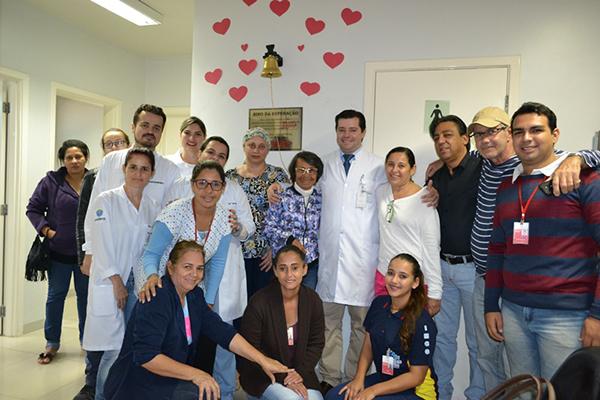 O sino foi doado por pacientes da oncologia que já alcançaram a cura