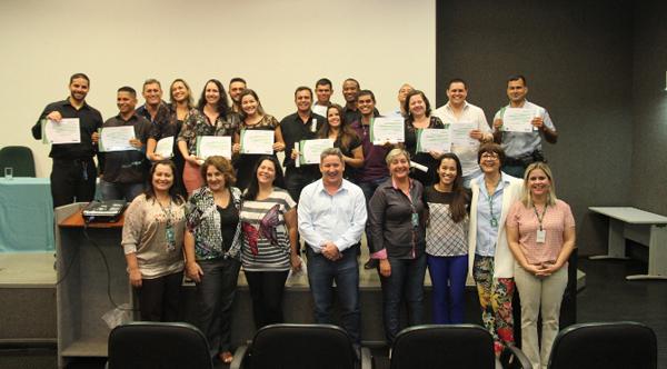 O curso de formação contou com a participação de 20 alunos e 12 professores, que ministraram 13 disciplinas indispensáveis ao exercício da função